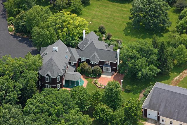 16556 County Line Road, Capron, IL 61012 (MLS #09880468) :: Ani Real Estate