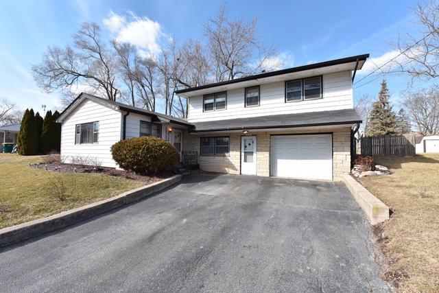 3976 Woodlawn Avenue, Gurnee, IL 60031 (MLS #09881424) :: The Saladino Sells Team