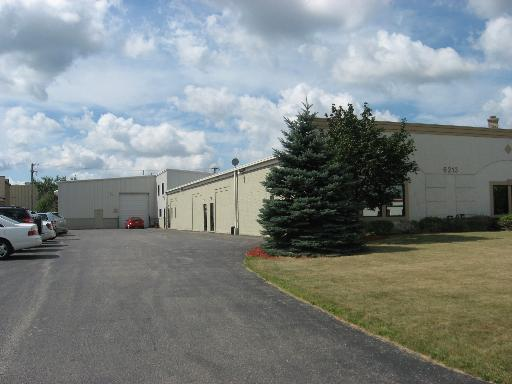 6213-15 Factory Road, Crystal Lake, IL 60014 (MLS #09881633) :: Lewke Partners