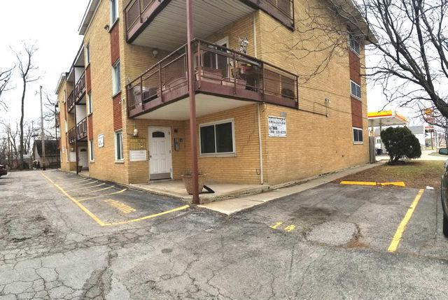 10033 Irving Park Road 3B, Schiller Park, IL 60176 (MLS #09881732) :: The Jacobs Group
