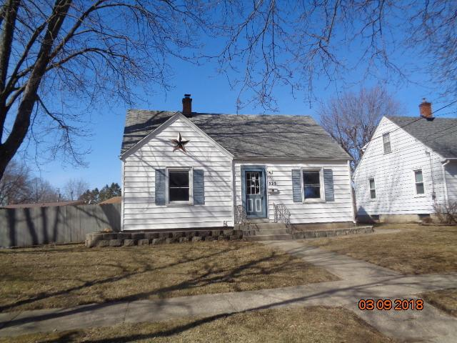 525 W Boone Street, Belvidere, IL 61008 (MLS #09881911) :: The Jacobs Group