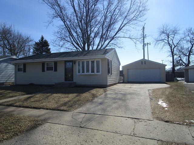 7501 Buffalo Grove Road, Loves Park, IL 61111 (MLS #09881981) :: Domain Realty