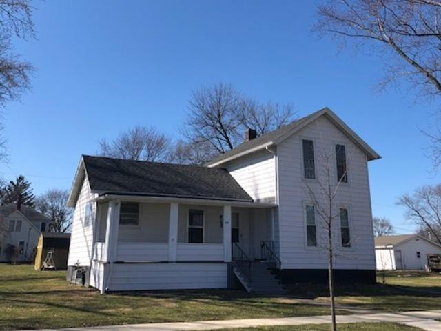 320 S Main Street, Gilman, IL 60938 (MLS #09882039) :: Domain Realty