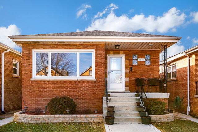 5620 S Tripp Avenue, Chicago, IL 60629 (MLS #09882331) :: The Jacobs Group