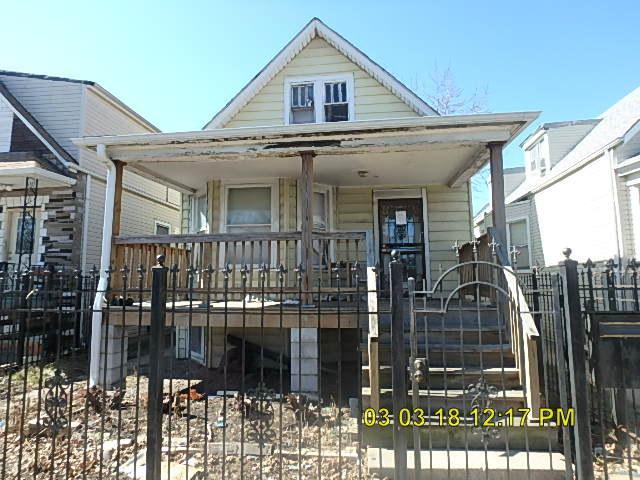 2210 N La Crosse Avenue, Chicago, IL 60639 (MLS #09882963) :: The Jacobs Group