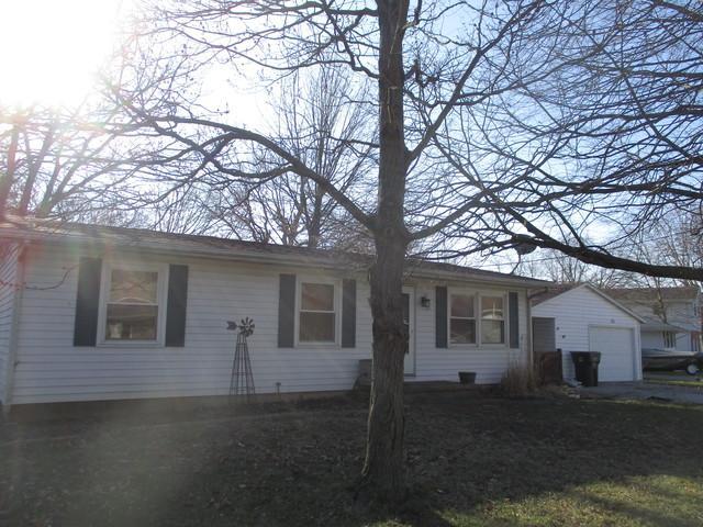 21 Park Drive, VILLA GROVE, IL 61956 (MLS #09883403) :: Ryan Dallas Real Estate