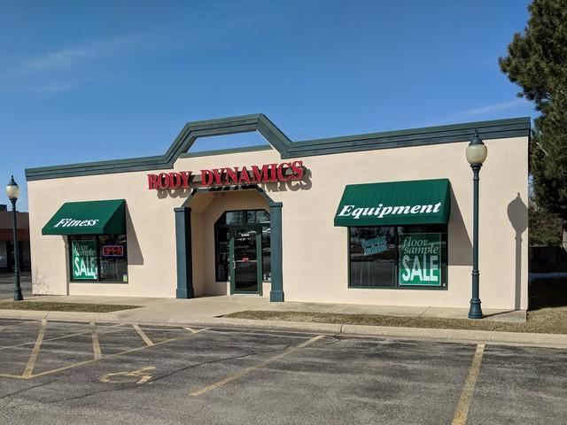 6290 Riverside Boulevard, Loves Park, IL 61111 (MLS #09884022) :: Domain Realty