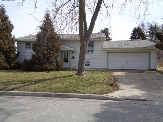 1720 Gleason Drive, Rantoul, IL 61866 (MLS #09884101) :: Ryan Dallas Real Estate