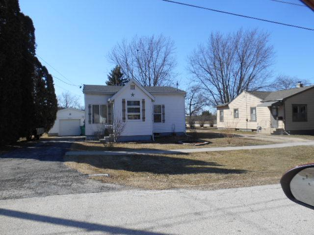 223 A Street, Genoa, IL 60135 (MLS #09884301) :: The Jacobs Group