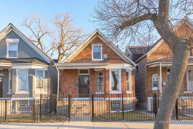 3422 W Carroll Avenue, Chicago, IL 60624 (MLS #09884325) :: Domain Realty