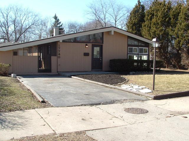 17740 Henry Street, Lansing, IL 60438 (MLS #09884609) :: The Jacobs Group