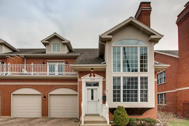 1234 Central Avenue, Wilmette, IL 60091 (MLS #09884915) :: The Jacobs Group