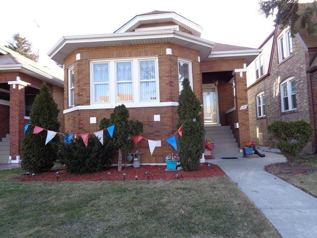 2109 Maple Avenue, Berwyn, IL 60402 (MLS #09885020) :: The Jacobs Group
