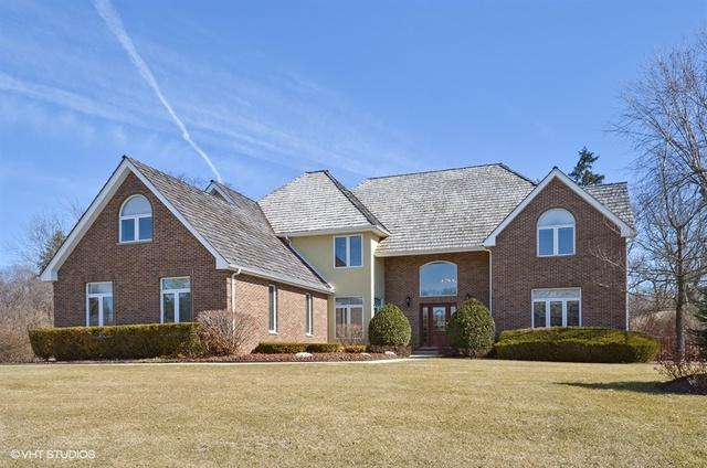 9 Brittany Lane, Lincolnshire, IL 60069 (MLS #09885273) :: The Schwabe Group