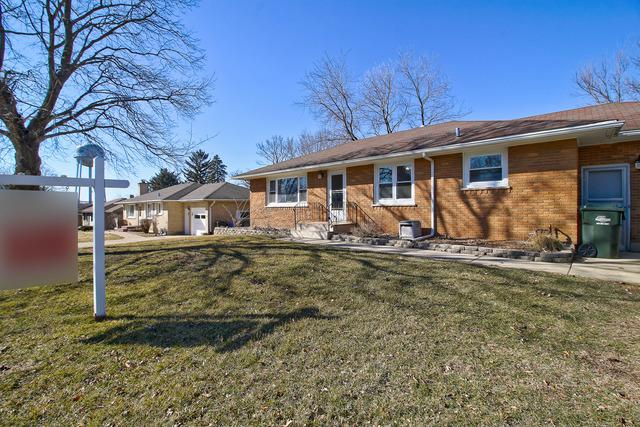 690 Lucille Street, South Elgin, IL 60177 (MLS #09885387) :: Domain Realty
