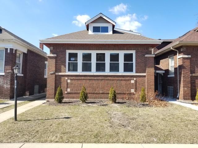 8440 S Blackstone Avenue, Chicago, IL 60619 (MLS #09885414) :: Littlefield Group