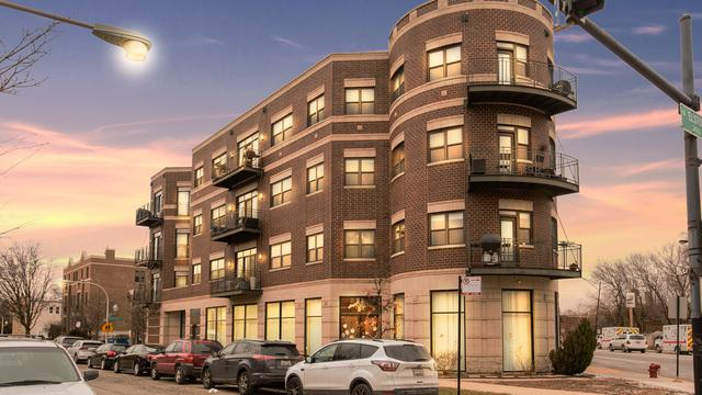 3028 W Roscoe Street #405, Chicago, IL 60618 (MLS #09885521) :: The Jacobs Group
