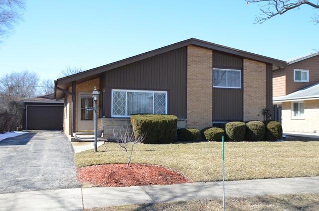 8938 Cherry Avenue, Morton Grove, IL 60053 (MLS #09885610) :: The Jacobs Group