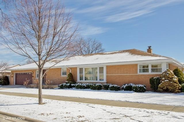 8701 N Elmore Street, Niles, IL 60714 (MLS #09885757) :: The Jacobs Group