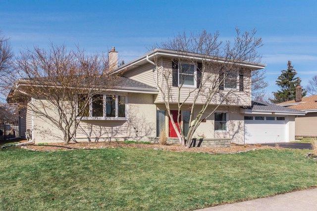 203 E Bryn Mawr Avenue, Itasca, IL 60143 (MLS #09885790) :: Littlefield Group