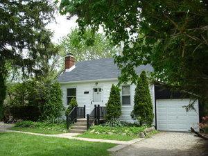 9127 N Western Avenue, Des Plaines, IL 60016 (MLS #09885829) :: The Jacobs Group
