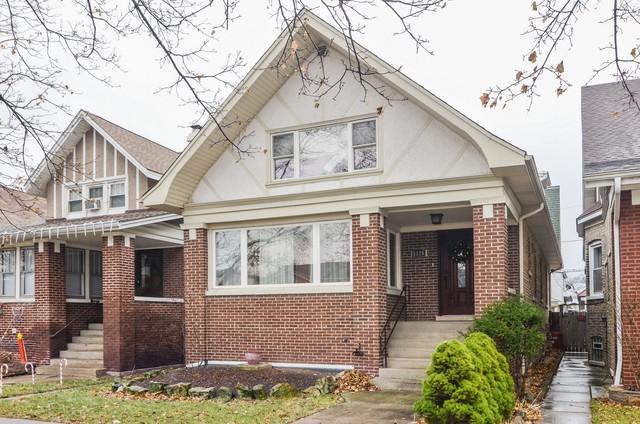 5325 W Belle Plaine Avenue, Chicago, IL 60641 (MLS #09885980) :: The Jacobs Group