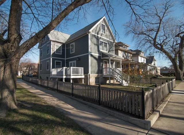 4032 W Grace Street, Chicago, IL 60641 (MLS #09886029) :: The Jacobs Group