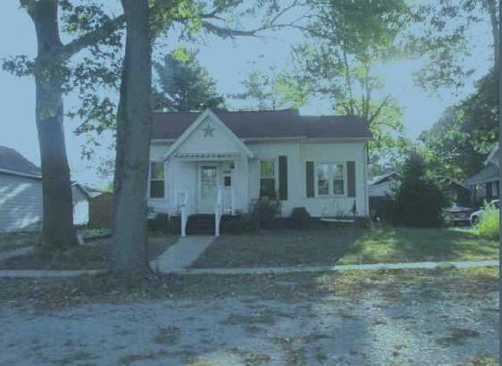 609 N Court Street, Tuscola, IL 61953 (MLS #09886165) :: Ryan Dallas Real Estate