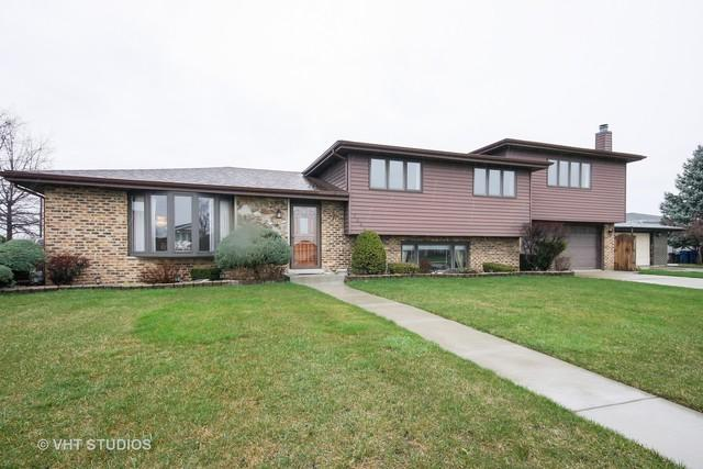 7364 W 84th Place, Bridgeview, IL 60455 (MLS #09886223) :: Littlefield Group