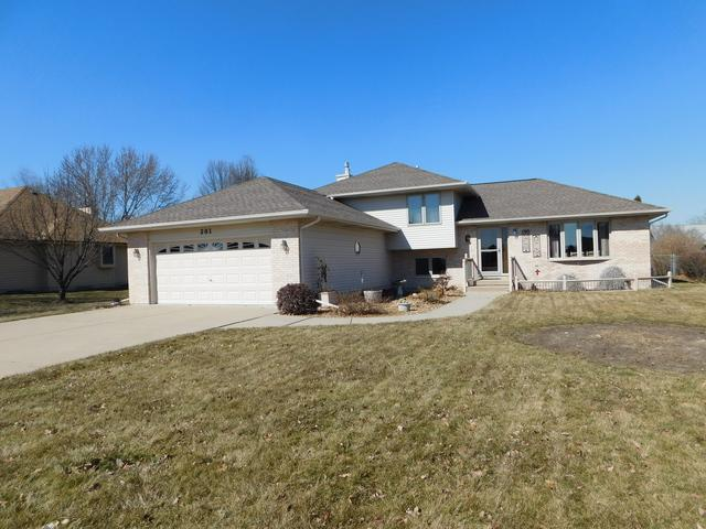 201 E Sunset Avenue, Sandwich, IL 60548 (MLS #09886310) :: Littlefield Group