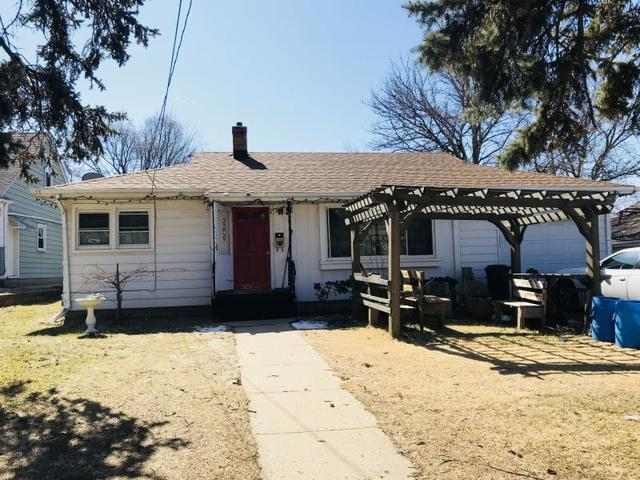 3209 Charles Street, Rockford, IL 61108 (MLS #09886464) :: The Jacobs Group