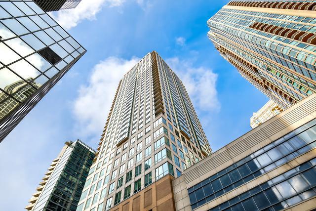 2 E Erie Street #3707, Chicago, IL 60611 (MLS #09886701) :: Berkshire Hathaway Koenig Rubloff - Carroll Real Estate Group