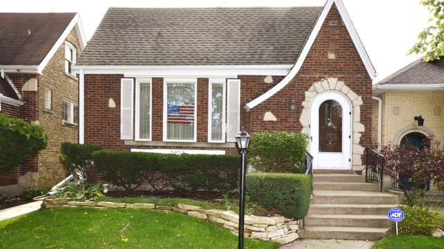 2933 W Greenleaf Avenue, Chicago, IL 60645 (MLS #09886722) :: The Jacobs Group