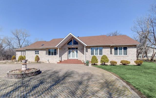 17662 Bluff Road, Lemont, IL 60439 (MLS #09886872) :: Domain Realty