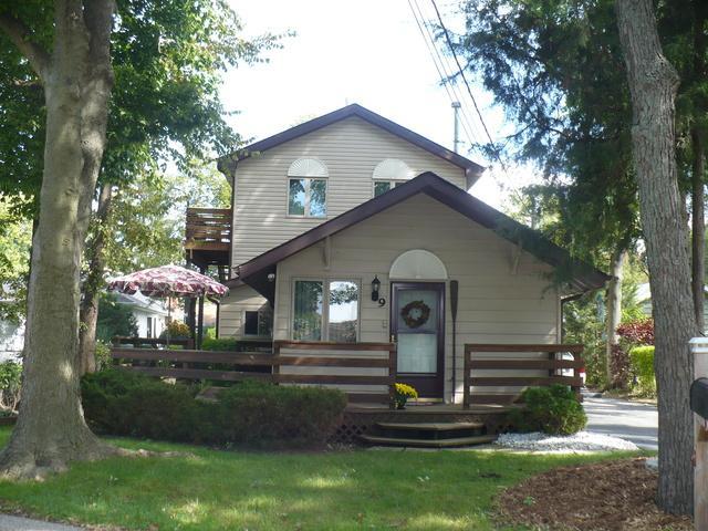 9 N Lake Avenue, Fox Lake, IL 60020 (MLS #09887014) :: The Jacobs Group