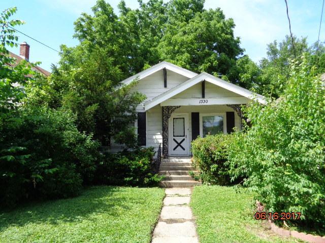1330 Jackson Street, Rockford, IL 61107 (MLS #09887250) :: The Jacobs Group