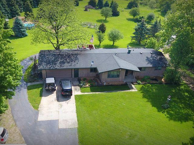 4000 Rigby Road, Crystal Lake, IL 60012 (MLS #09887403) :: The Jacobs Group