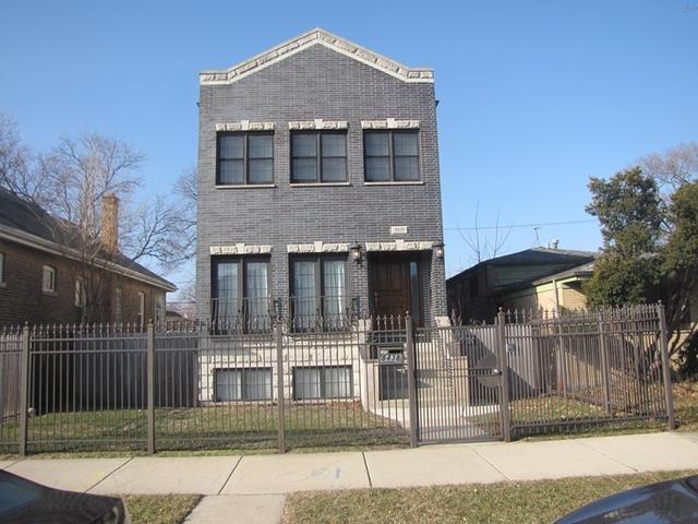 8438 S Constance Avenue, Chicago, IL 60617 (MLS #09887544) :: Littlefield Group