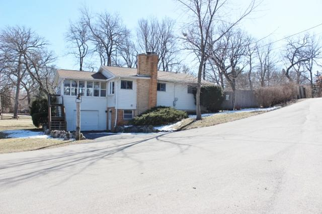 28621 W Valley Road, Ingleside, IL 60041 (MLS #09887623) :: The Jacobs Group