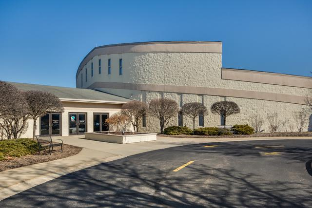 180 Hawthorne Road, Barrington, IL 60010 (MLS #09887938) :: Domain Realty