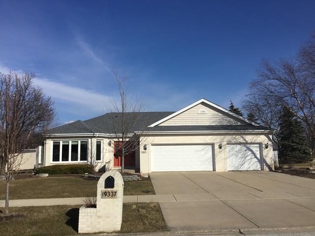 19337 Shabbona Drive, Tinley Park, IL 60487 (MLS #09888360) :: Littlefield Group