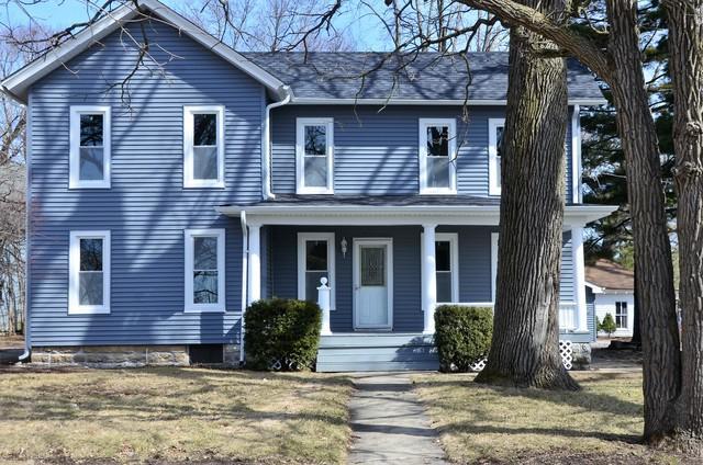 164 Maple Street, Hinckley, IL 60520 (MLS #09888454) :: Domain Realty