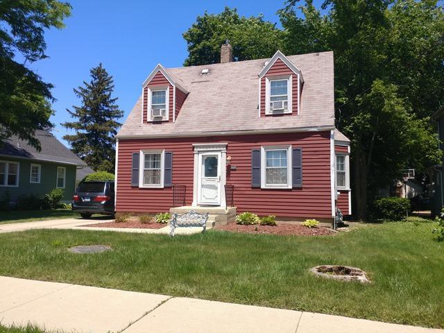 678 Jefferson Avenue, Elgin, IL 60120 (MLS #09888968) :: Domain Realty
