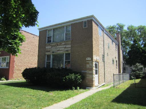 9029 N Lamon Avenue, Skokie, IL 60076 (MLS #09889384) :: Domain Realty