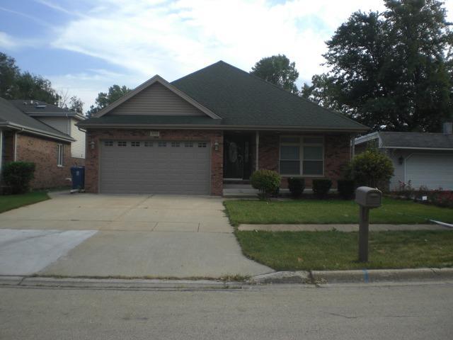 7217 W 72nd Street, Bridgeview, IL 60455 (MLS #09889550) :: Domain Realty