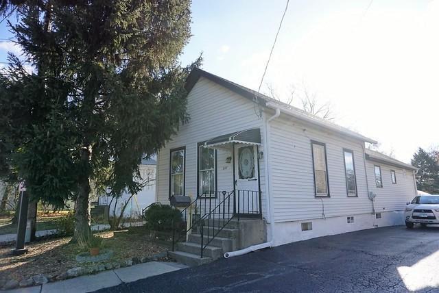 347 W Saint Charles Road, Lombard, IL 60148 (MLS #09889660) :: Domain Realty