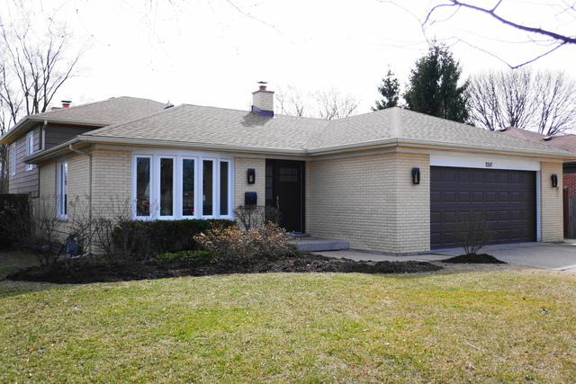 2247 Central Road, Glenview, IL 60025 (MLS #09890018) :: The Spaniak Team