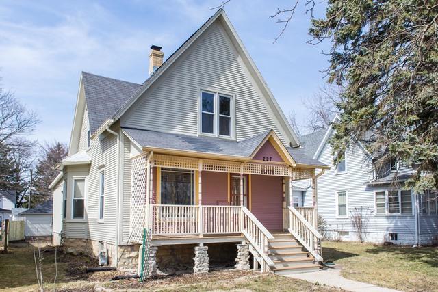 227 S 9th Street, Dekalb, IL 60115 (MLS #09890068) :: Littlefield Group