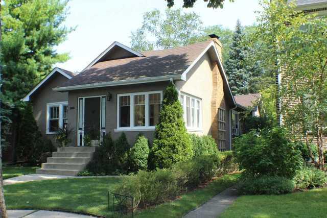 2147 Bennett Avenue, Evanston, IL 60201 (MLS #09890199) :: The Jacobs Group