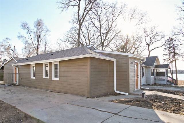 28281 W Hickory Street, Wauconda, IL 60084 (MLS #09890249) :: Domain Realty
